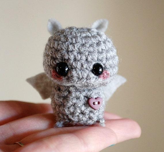 Amigurumi Bat Wings : Gray Mini Bat Amigurumi Kawaii Halloween Decoration