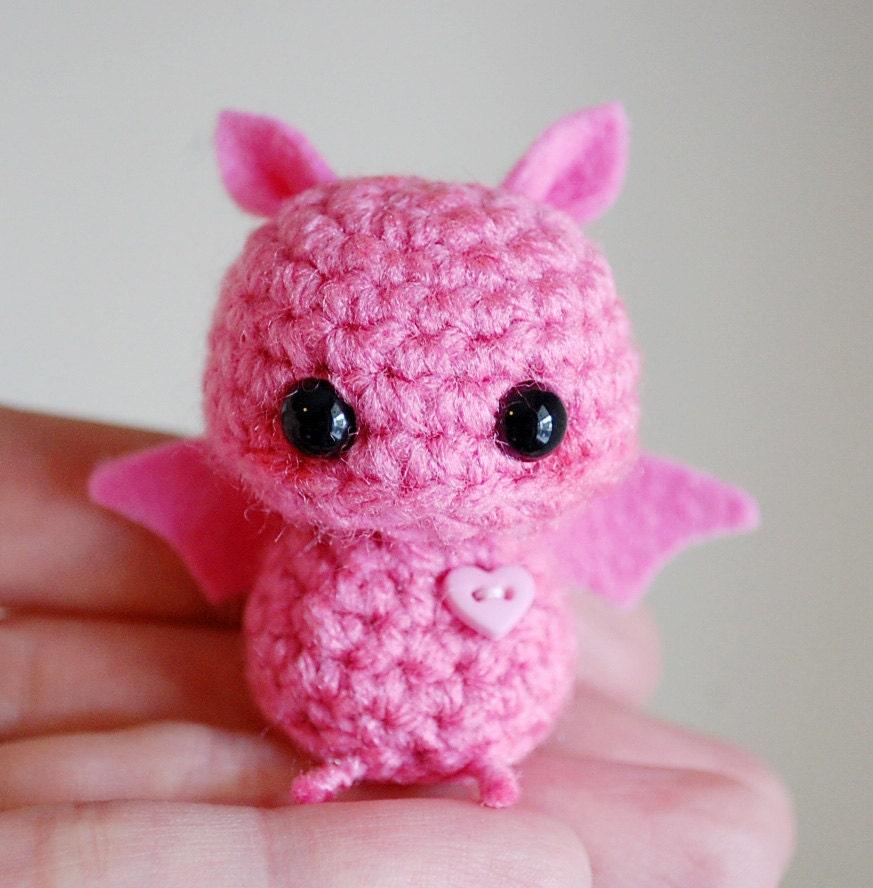 Amigurumi Kawaii Free Patterns : Pink Mini Bat Amigurumi Kawaii Halloween Decoration
