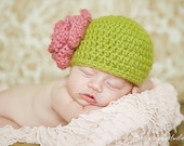 0-3 month apple green cloche with dusty pink flower