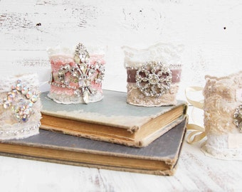 Vintage Lace Fabric Cuff BRACELET Wedding White Cream Lace Rhinestone ROMANTIC