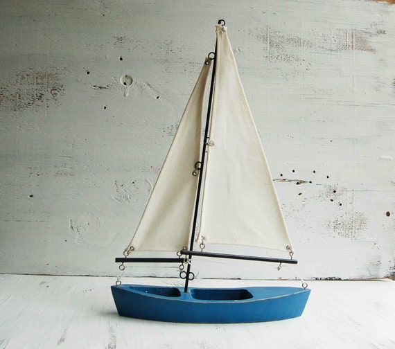 Vintage toy sailboat wooden boat sailor nautical ocean cottage for Decoration yacht