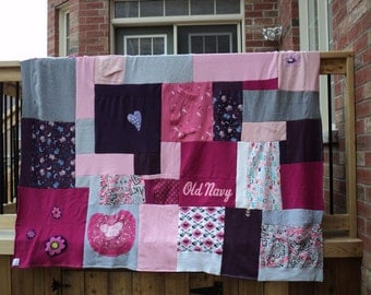 "Upcycled sweatshirt patchwork blanket ""Double Lollie"""