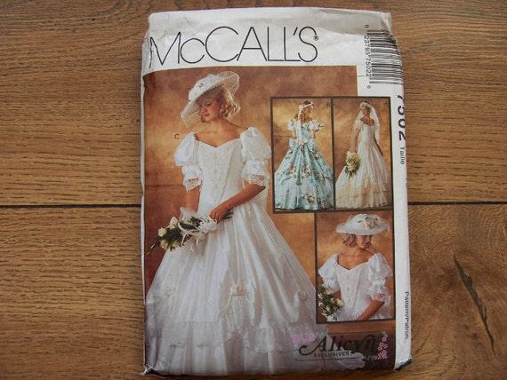 1995 McCalls pattern 7502 Misses WEDDING BRIDAL GOWN sz 10 uncut