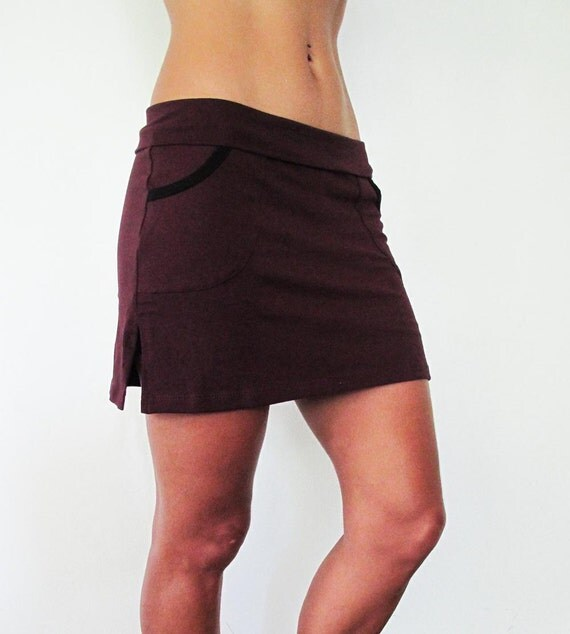 Skort twotone - midthigh length cottonlycra skirt with shorts attached, Burgundy and black, size SM and ML