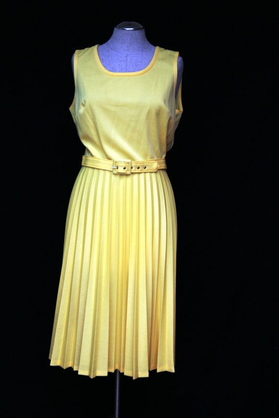 Sweet Little Canary...Very Happy Yellow Casual Dress with Accordian Pleats