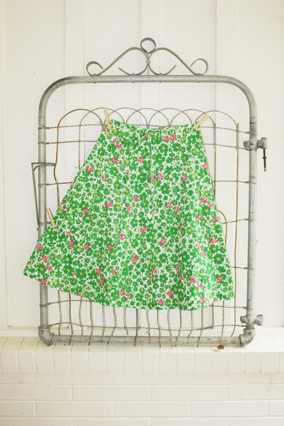 Endangerd Species - 1960 to 70's Pink Frog and Green Daisy Skirt - Mid Century Modern - Flaired