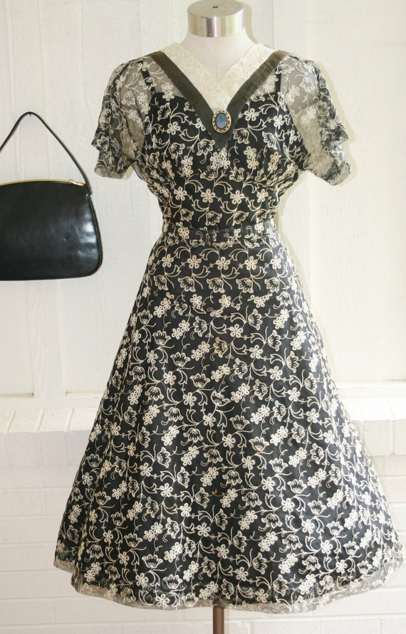 The Minny, she makes a mean chocolate pie  -  Circa 50's Embroidered Voile Shell Party Dress - Mid Century - Lucy