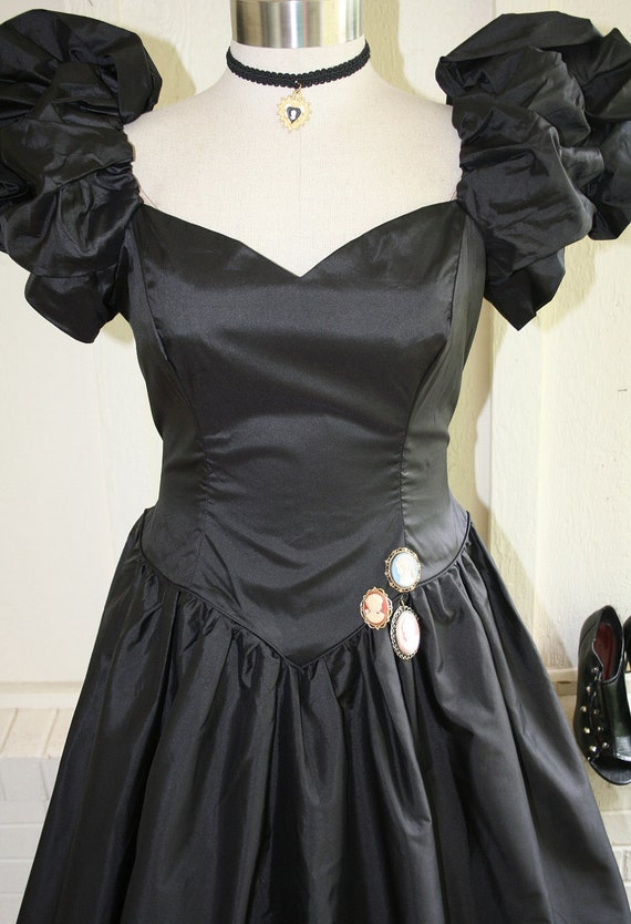 The Black Swan - Circa 1980's - Steampunk - Victorian Inspired - Taffeta Party Dress - Prom - Plus Size