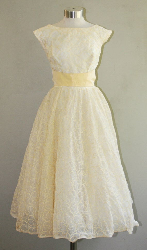 The Pippa, Interesting Backside - Circa 1950s - Party Dress - Pinup - Lucy - Mad Men - Wedding