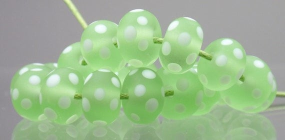 Etched Tranparent Green with White Polka Dots - 10 handmade lampwork beads P 51