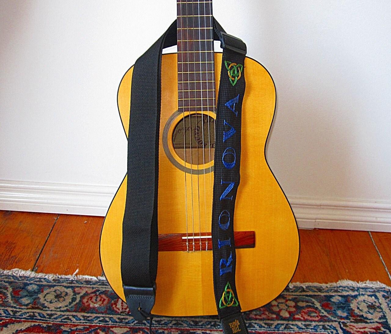 green day logo guitar strap custom for yannicke. Black Bedroom Furniture Sets. Home Design Ideas