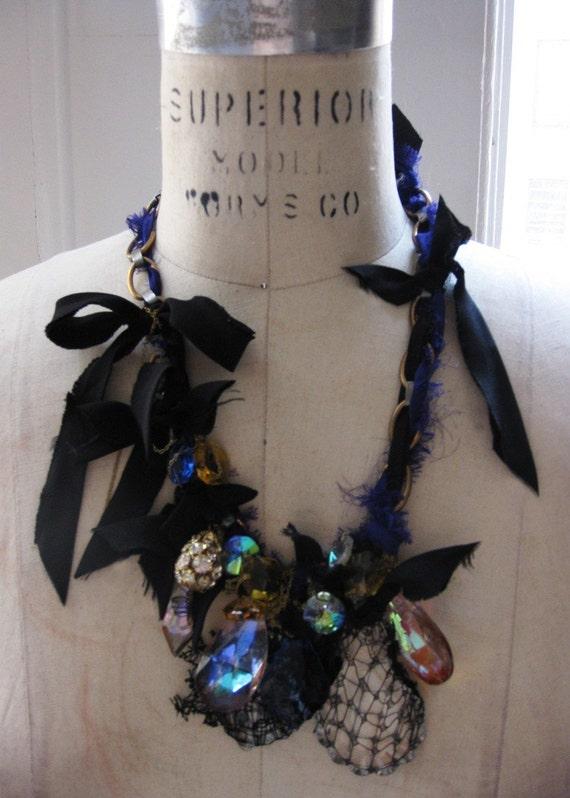 SALE black bow bibelot necklace