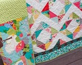 modern quilt for twin coverlet, toddler bed, or throw quilt // diamond rings // it's a hoot