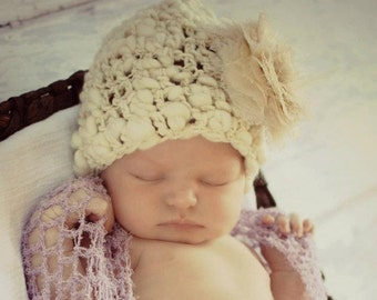 Newborn Cream Photo Prop Hat  --- HandSpun Thick and Thin ---