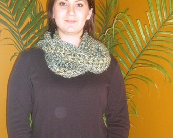 Chunky Infinity Circle Scarf in Earth Tones