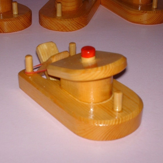 Wooden Toy Paddle Tug Boat Bath Fun