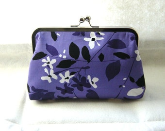 Faye - gorgeous floral clutch lined in dupioni silk