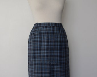 French vintage 1980s does 1950s blue tartan checked scottish woolen skirt - medium M