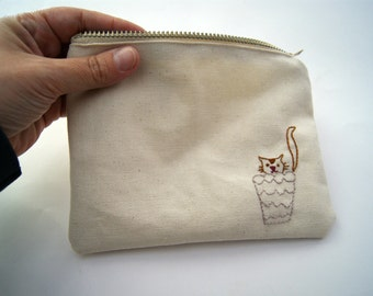 Medium zipper pouch / make up pouch / pensil case