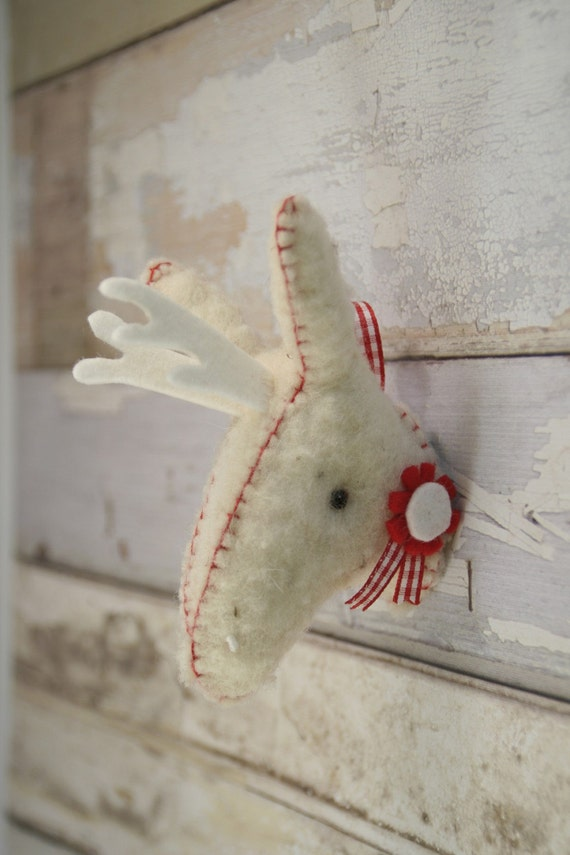 Peppermint - woolly mounted deer head - red and white