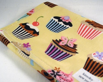 Burp Cloth with style -  Cotton / Organic undyed French Terry - Sweet Tooth Cupcake