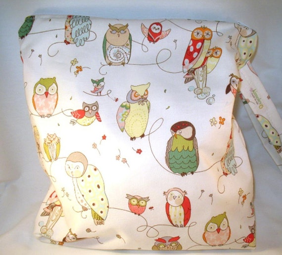Wet Bag, Diaper Keeper, Swimsuit bag  - Water Resistant Lining with Zipper Openning - A Spotted Owl