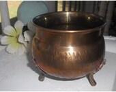Vintage lil Hosley Brass cache Pot .... footed brass urn ... planter ...catch all