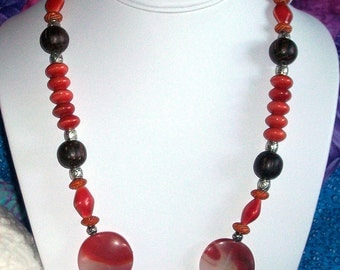 Firelight - Beaded glass necklace in red