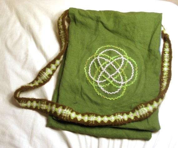 Green Celtic Shoulder Bag with Tabletwoven Strap