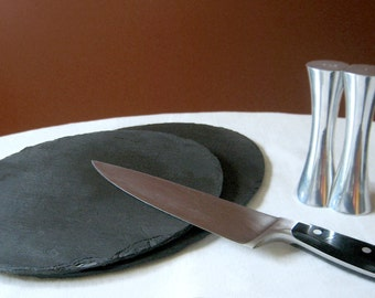 LARGE Black Salvaged SLATE PLACEMAT/Plate with Eco-Backing - Thanksgiving / Wedding, Housewarming, Host Gift [Ardoise / Pizarra - Gris]