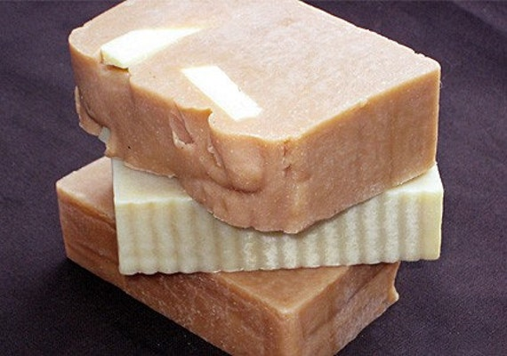 Organic MOROCCAN Red Clay with SANDALWOOD & Jasmine Handmade Cold Process Natural Soaps [Savon Bio a Froid]