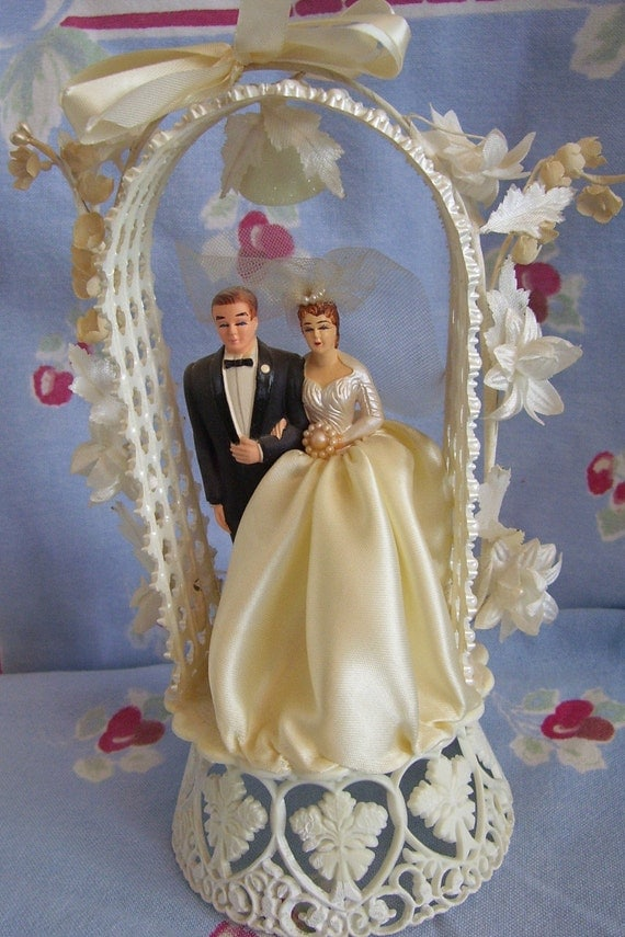 wedding cake toppers central coast 1959 coast novelty wedding cake topper and groom with a 26436