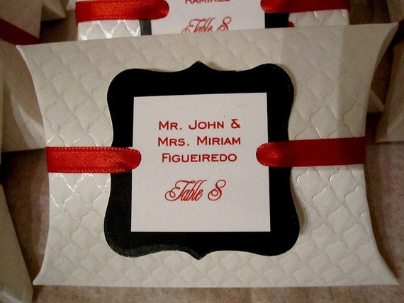 Pillow box - Escort\/Placecard and favor box