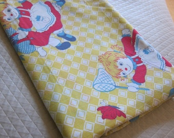 vintage sheet,  Raggedy Anne fabric,  1940s yellow cotton, 40s sheet.novelty cotton. kids fabric, kawaii cotton,
