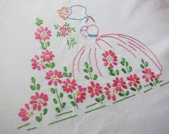 Summer BEDSPREAD 1940s COLONIAL LADY hand embroidered