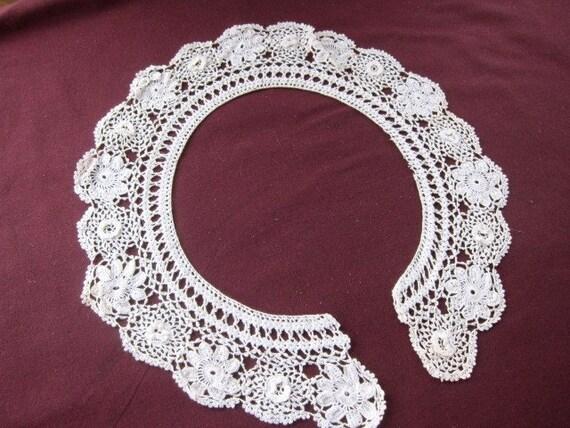 Irish lace collar antique
