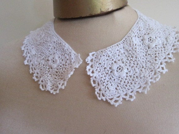 Vintage Irish lace collar