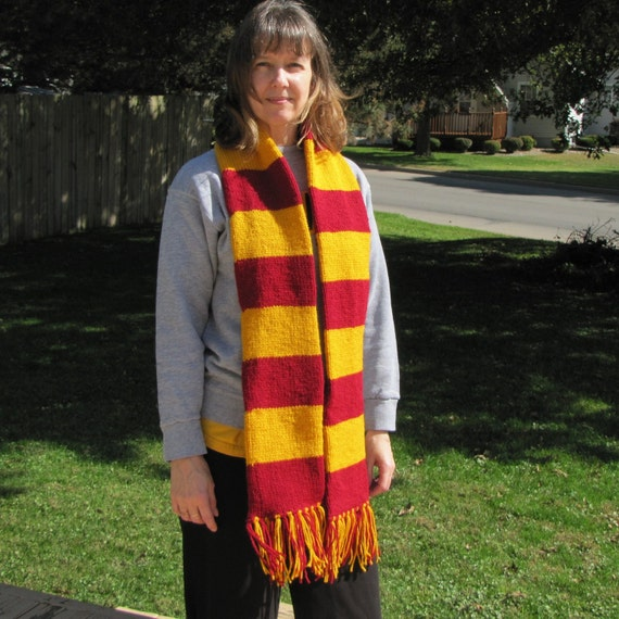 Gryffindor colors scarf by Whitaker Knits