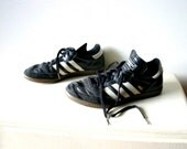 Vintage Euro Football Shoes - Sambas