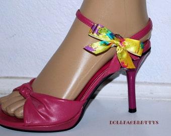 Sale....Splattered..... Set of Bow Shoe Clips