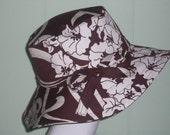 The Bess Hat.....Brown with White Swirls