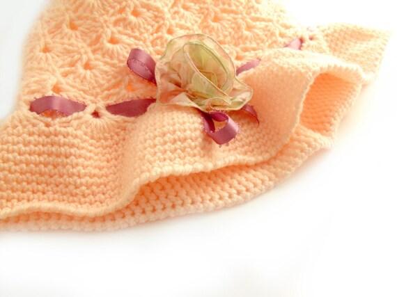 SALE Crochet hat. Beanie cloche hat. Peach coral pink. Romantic Lolita. Spring hat