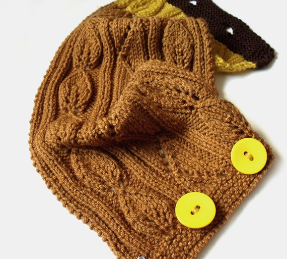 SALE Scarf with buttons. Knit neckwarmer cowl.  Warm collar. Honey mustard brown yellow.