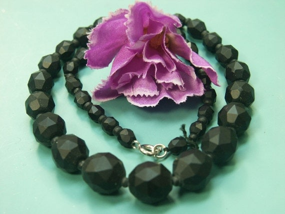 Lovely vintage 1940s handworked unused graduated grinded jet black natural organic charcoal bead mourning necklace