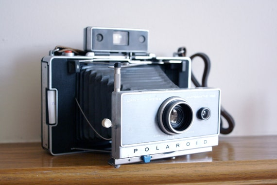 Vintage Polaroid Land Camera Automatic 100 rangefinder 1960s