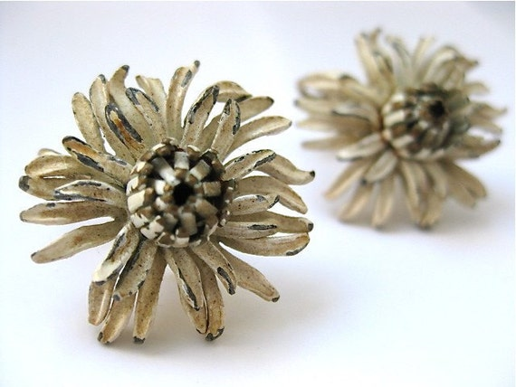 Vintage Earrings Chrysanthemum in White by Corocraft 1960s Costume Jewelry Clip on Clip-on