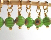 Knitting Stitch Markers - Very Berry Green -  Set of 10 - Row Counter - Handmade