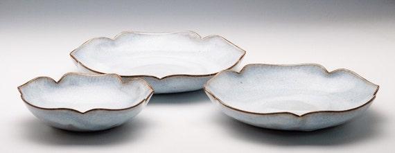 Shiny Cloudy-White Flower Bowl Set