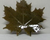 Spotted Stoneware Imprinted Maple Leaf
