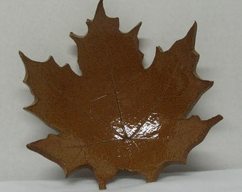 Spotted Stoneware Imprinted Rust Maple Leaf